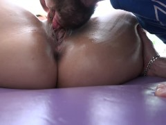Valentina Jewels gets Stuffed after her Masage