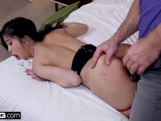 Drsný sex so sexy aziatkou