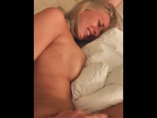 Tökéletes szőke pornósztár