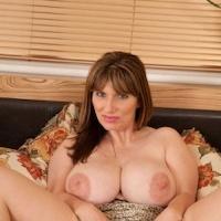 Josephine james nackt