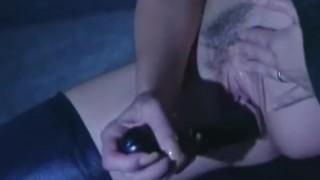 Paisley Hunter Masturbates In Latex