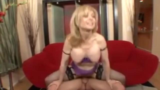nini-hartley-i-transvestit-domashnie-lyubitelskie-nyu-foto-zrelih-zhenshin