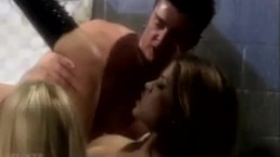 Hot Action Threesome with 2 Sexy Women