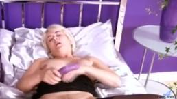 Blonde deep dildo plunge