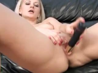 Finger fucking Milf