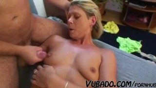 MATURE WOMAN KNOWS HOW TO FUCK !!