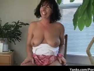 Lynn, the Mom with Super Amazing Tits