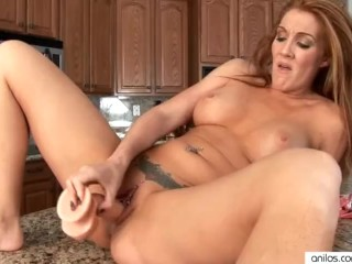 Bigtit Morgan Reigns dildo fuck