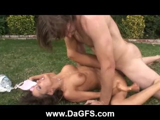 Milf Vanessaâ??s Outdoor Anal Bang