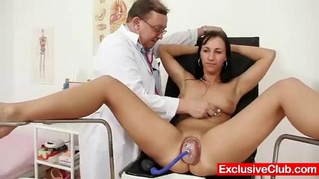 механизм фото врач теребит пизду пациентке естественно