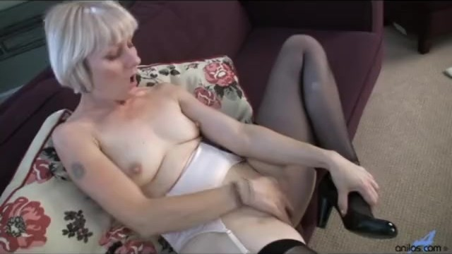 Hairy mature moms first orgasm video