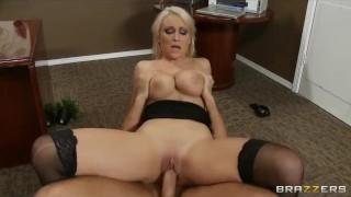 Stunning busty bombshell Lexi Swallow seduces her boss Homemade kink