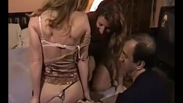 Wives showing fucking - Homegrownwives showing the neighbor the art of swinging