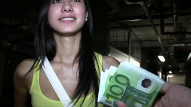 Amateur radio trade in Cute brunette student trades sex for some extra cash