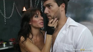 Crazy HOT dominatrix starts a hardcore S&M threesome