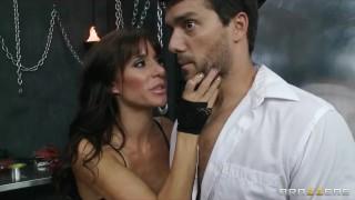 Crazy HOT dominatrix starts a hardcore S&M threesome