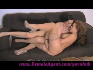 FemaleAgent. Finger licking good