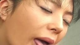 Kinky chick Tomoko Fujimori blowjob