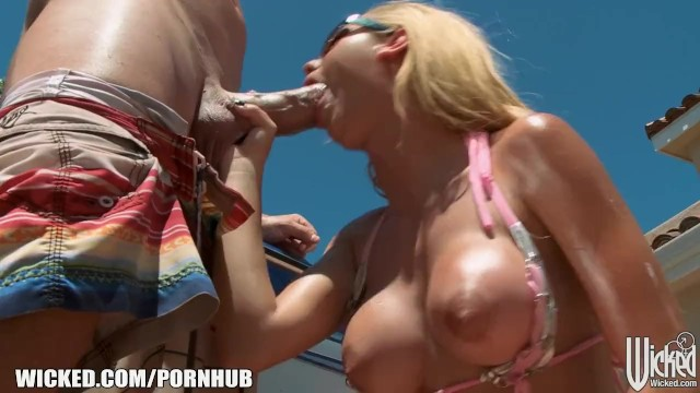 Wiked weasel bikini Dripping wet blonde jessie rogers gets hard dick at the car wash