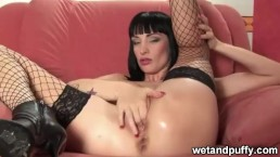 Sofia valentine takes it in the ass