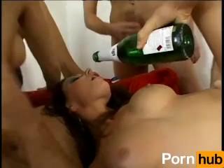 Babes In Locker Rooms Gallery Girls Locker Room Videos Metacafe