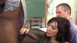 Prof Salope infidèle sodomisée pour ses gros seins