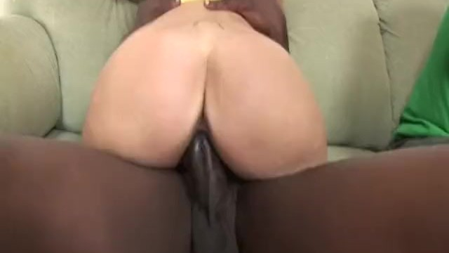 Free naked natural picture woman Theres something wrong with mommy 2 - scene 4