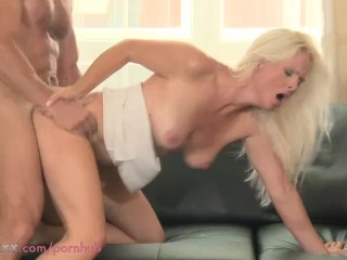 MOM HD These women love it doggy style