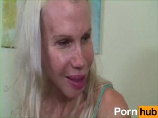 Leah Remini Nude Photo Leah Remini masturbates on floor (HalfFaked420) DeepFake Porn