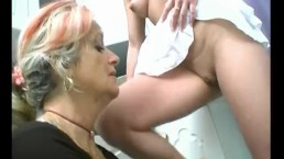 Mature Broad Eats Puss