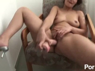 My Aunt's Body Is Too Pleasant [Part 2] Porzo Getting A Blowjob From My Aunt