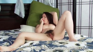 Annabelle hairy fingers her milf lee pussy amateur small wife