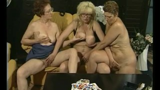 cards agaisnt humanity threesome card game