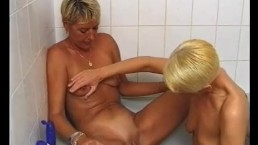 Blonde lesbians make each other cum