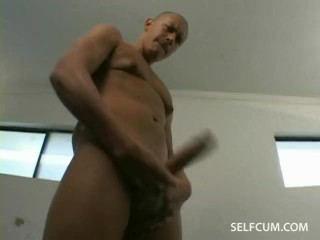 Guy sucking his own ten inch dick and then he cums in his own mouth