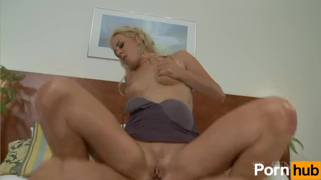 Carla Cox Does Anal - 14