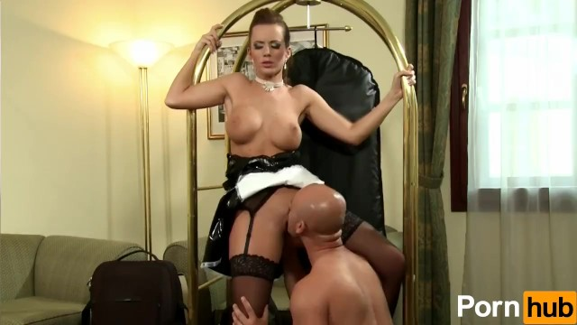 Cindy Dollar Is A Glamorous Whore - 3