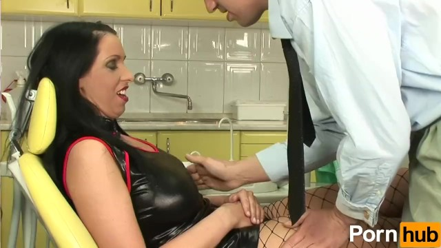 Lisa Sparkle Takes A Cock Up The Bum - 1