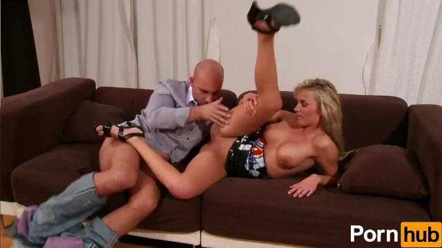 Blondie Wants Her Pussy Satisfied - 5
