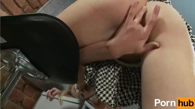 Mia Hilton Plays With Dildo - 7