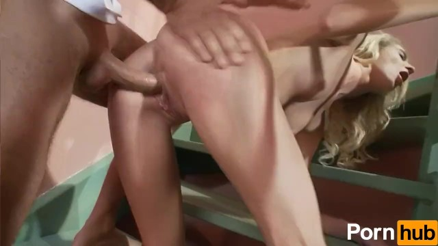 Mia Hilton Fucks Like An Animal - 14