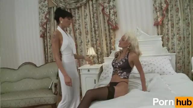 Glamour Lesbians - 1