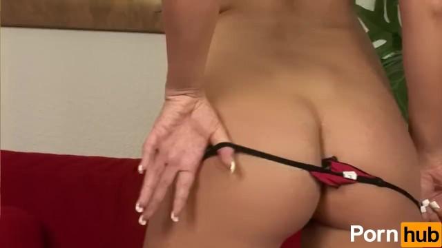 Blondie Wants 2 Cocks - 4