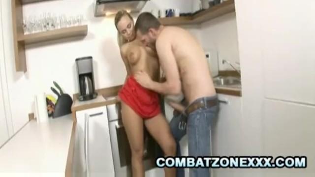Mature Euro babe Mia Leone fucking inside the kitchen - 4