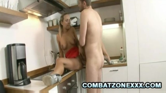 Mature Euro babe Mia Leone fucking inside the kitchen - 6
