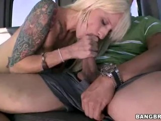 She squirts during anal sex HD Squirting While Anal Sex