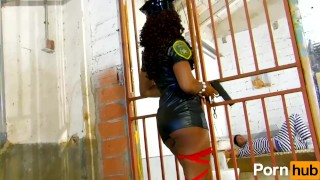 Black Spanish cop fucks her prisoner