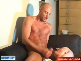 A real french straight guy get suked by a gay guy !
