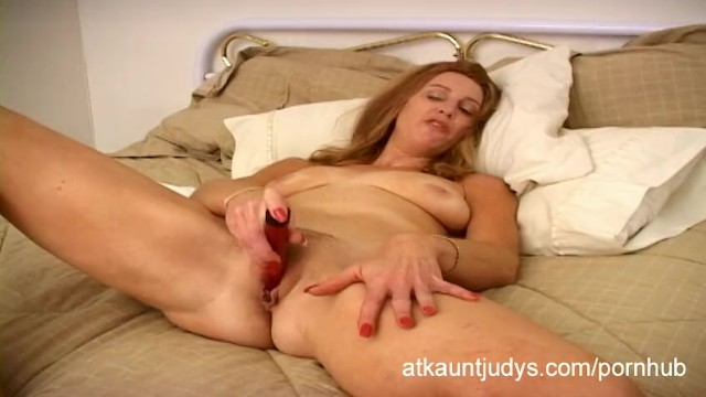 British milf masturbates alone video-6534