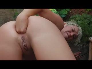 Women Pissing & Girls Golden Shower Peeing XXX Free Porn Women Peeing Video Clips